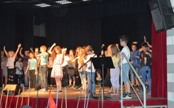 Spectacle de fin d'année du groupe scolaire Le Vallon