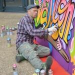 Le graffeur Konu en action