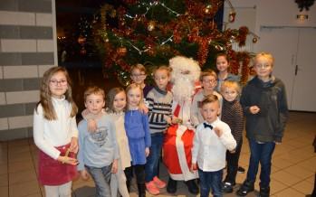 Le père Noël est passé pour les enfants du personnel municipal