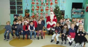 Le père Noël a rendu visite aux élèves de l'école maternelle Les Farfadets