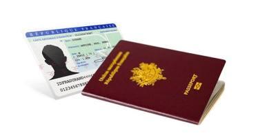 Passeports, cartes d'identité : attention aux délais