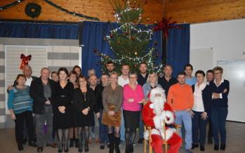 Le Père Noël a rendu visite aux enfants du personnel
